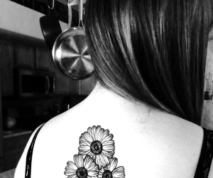 back, black and white, and daisy image