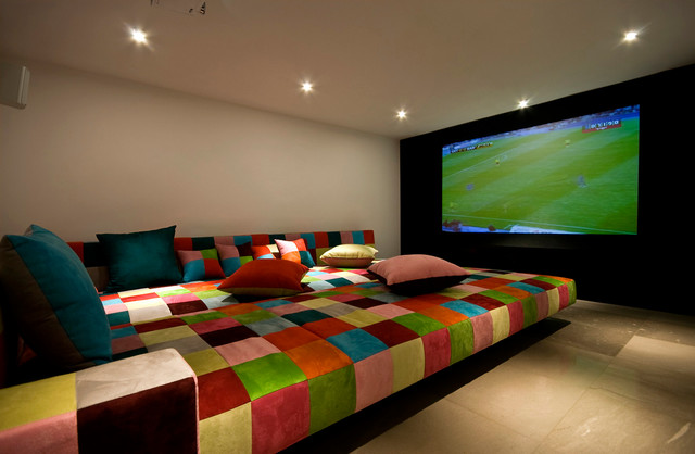 Beau Colorful Plaid Bed With Cute Pillows In Minecraft Bedroom Ideas  Sophisticated LED TV Sparkling Ceiling Lights