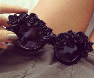 vintage, black, and roses image