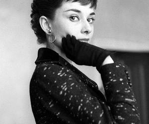 audrey hepburn and icon image
