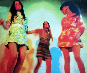 vintage, 60s, and girls image