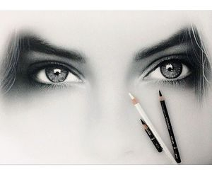 eyes and sketch image