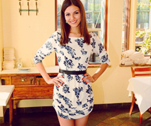 victoria justice and gold girl image