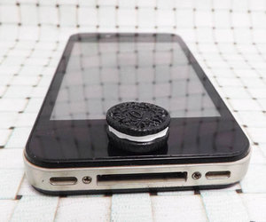 iphone and oreo image