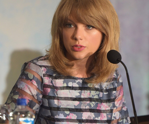 taylor swift the giver image
