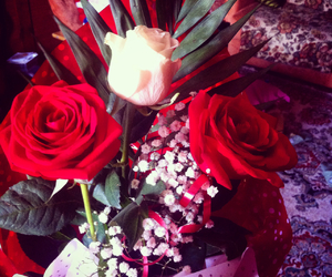 beautiful, gift, and roses image