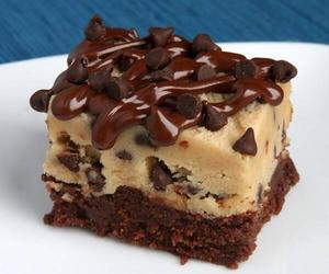 brownie, delicious, and chispas image