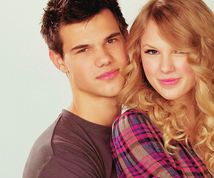couple, lautner, and Swift image