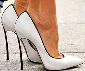 beautiful, scarpin, and shoes image