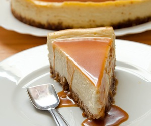 cheesecake, delicious, and caramel image