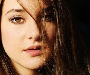 Shailene Woodley and divergent image