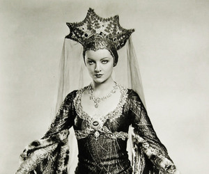 film, queens, and royal image