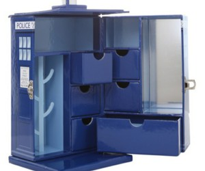 doctor who, geek, and jewelry box image