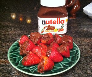 nutella and strawberries image