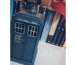 doctor who, tardis, and I love it image