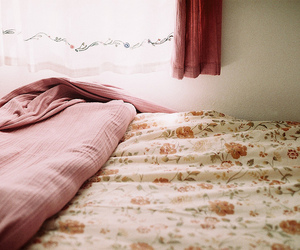 bed, vintage, and floral image