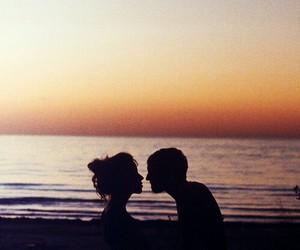 amor, beach, and couple image