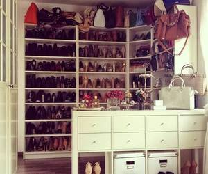 accessories, handbag, and shoes image