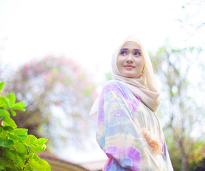 hijab, dian pelangi, and make up image