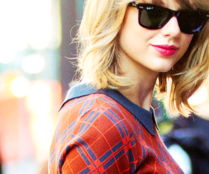 Taylor Swift and icon image