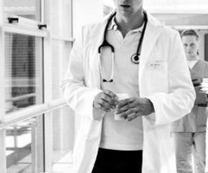 florian david fitz, rtl, and doctors diary image
