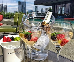 champagne, luxury, and drink image