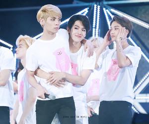SHINee, exo, and Jonghyun image