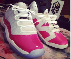 pink, shoeporn, and shoes image