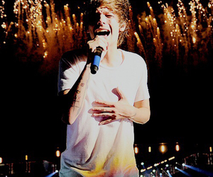 louis tomlinson, one direction, and wwa image