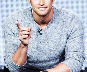theo james, divergent, and Hot image