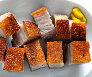 تفسير اكل لحم الاوز في الحلم   رؤية اكل لحم البط في المنام
