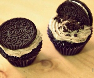 cookie, dessert, and cupcake image