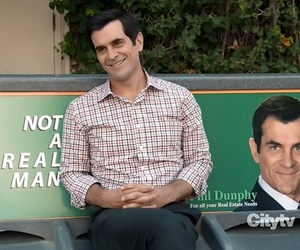 modern family, ty burrell, and phil dunphy image