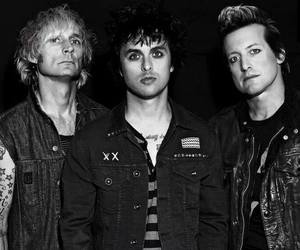 green day, billie joe armstrong, and mike dirnt image