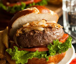 food and hamburger image