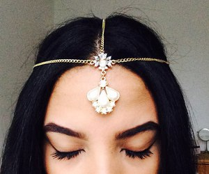 girl, hair, and jewelry image