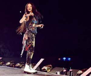 rihanna and the monster tour image