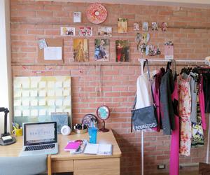 girly room image