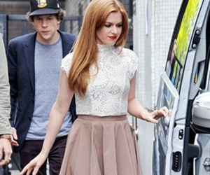 face, isla fisher, and ro image