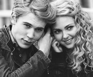 the carrie diaries, couple, and austin butler image