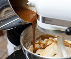 food, caramel, and cake image