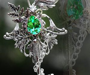 jewelry and key image