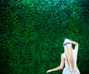 50mm, long hair, and alice in wonderland image