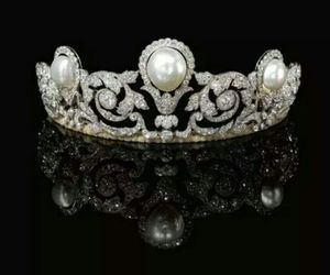 antique, tiara, and diamond image