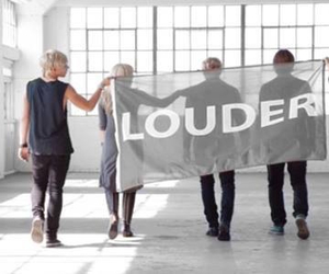 r5 and louder image