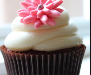 choclate, yuuuum, and cupcakes image