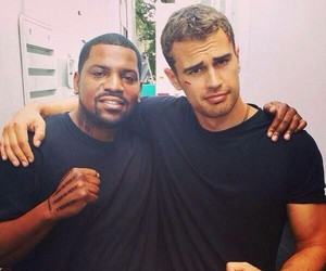 max, insurgent, and theo james image