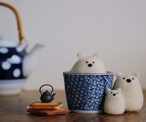 bear and tea image