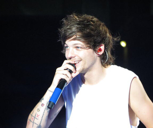 louis tomlinson and wwat image