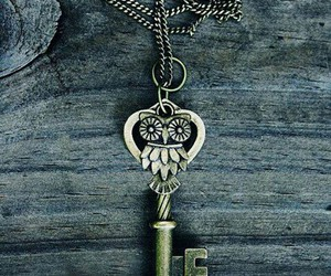chain, key, and owl image